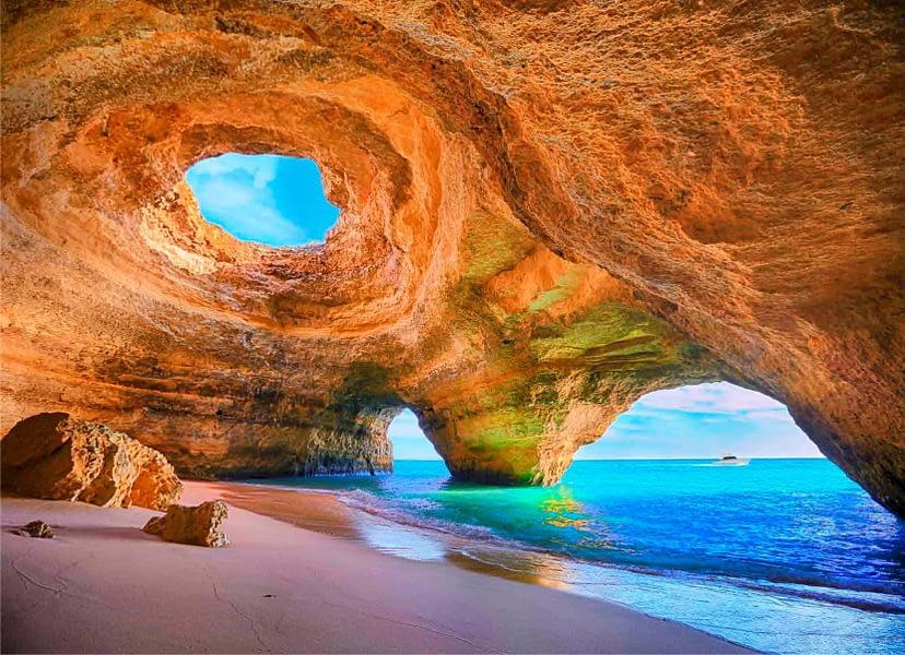 Praia de Benagil proche de la ville de lagoa tripalgarve immobilier portugal algarve albufeira