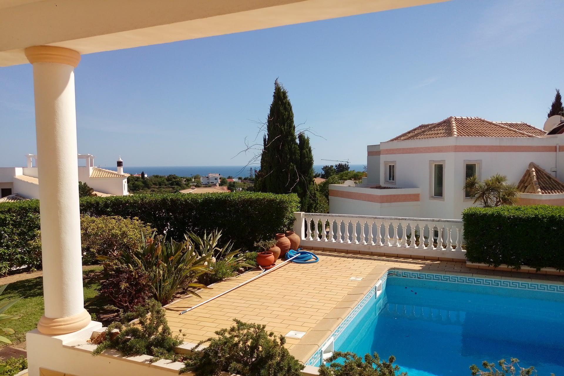 Très belle villa avec vue mer dans un quartier résidentiel