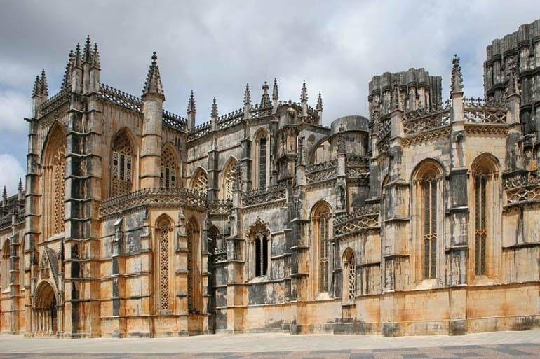 Mosteiro da Batalha tripalgarve immobilier portugal algarve albufeira